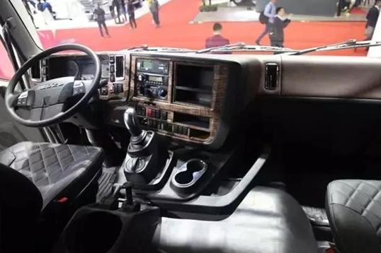 迎接重卡3.0时代 庆铃五十铃GIGA巨咖2020版亮相2019重庆车展